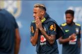 نيمار يعود لتدريب البرازيل عقب تعافيه من إصابة في الكاحل