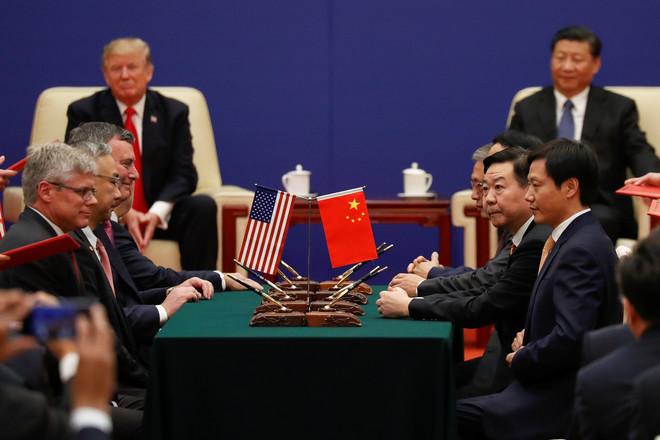 الصين تتهم أمريكا بالسعي إلى تدمير التجارة بين البلدين