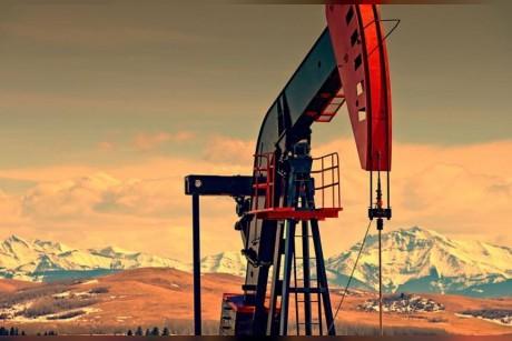 روسيا تستخدم المخزونات النفطية لزيادة الإنتاج في دلالة على مرونة الإمدادات