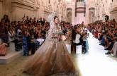 أضواء وظلال في مجموعة الأزياء الراقية للخريف والشتاء المقبلين من ELIE SAAB