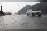بالفيديو: هطول الأمطار على بعض المناطق الشرقية للإمارات