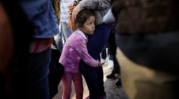 565 طفلاً مهاجراً ما زالوا محتجزين في أمريكا - دوت امارات