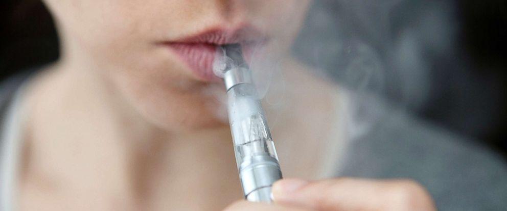 FDA calls e-cigarettes 'an epidemic' among minors, cracks down on retailers - Dotemirates