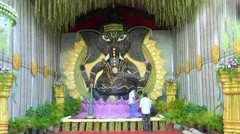 Ganesh Chaturthi 2018: Hyderabad devotees go eco-friendly with sugarcane Ganpati - Dotemirates