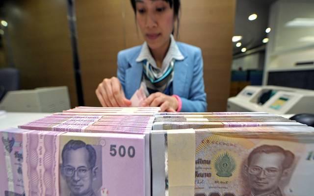 عملات الأسواق الناشئة تجني المكاسب مع تراجع الدولار - دوت امارات