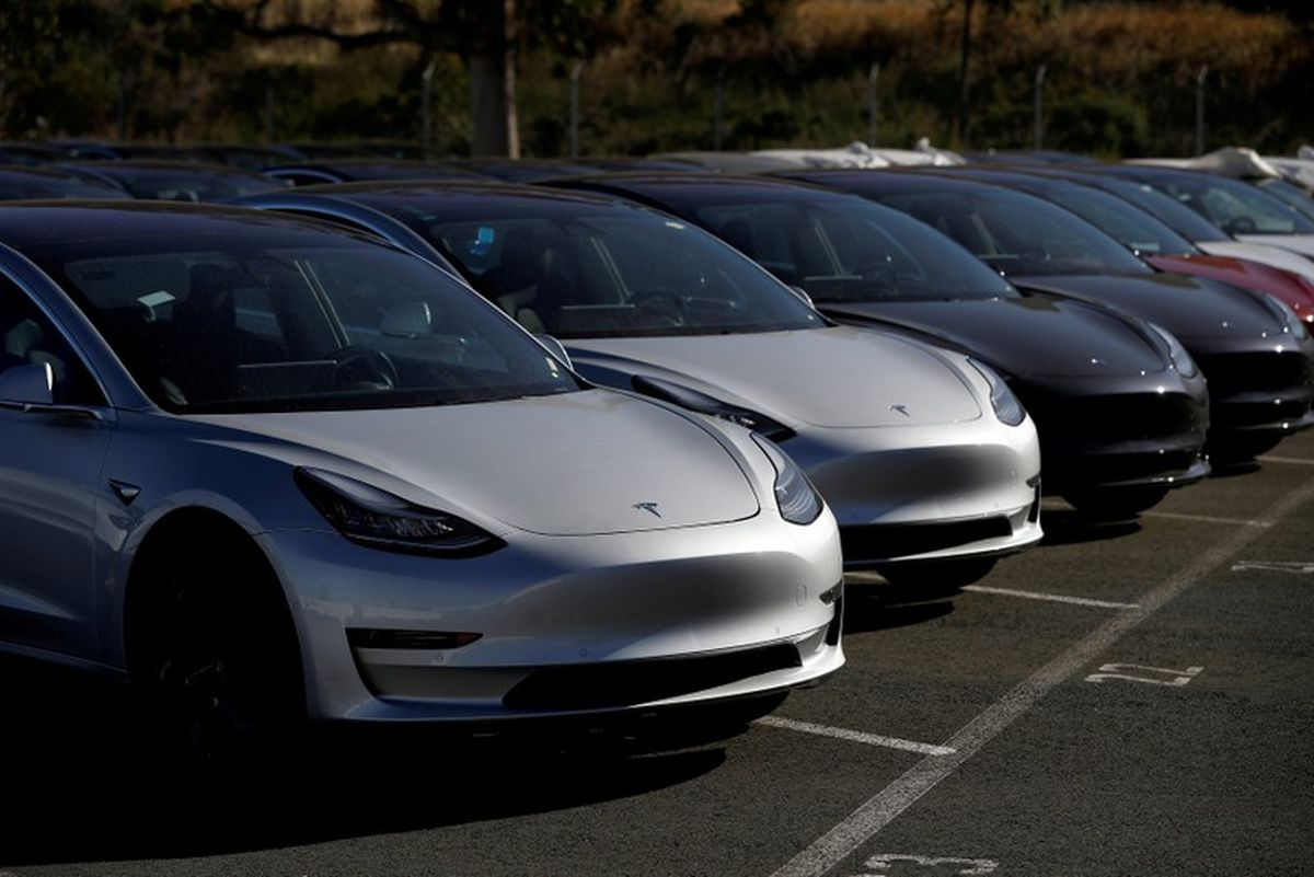 Tesla cuts number of standard colour options in bid to streamline production - Dotemirates