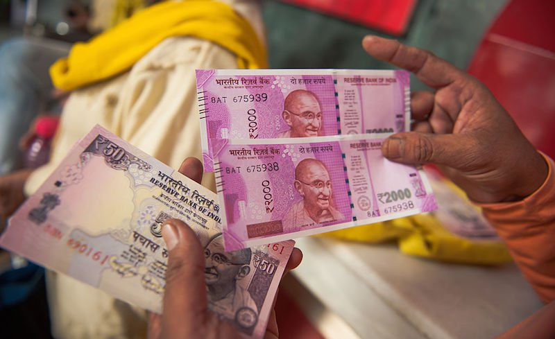 Indian rupee touches fresh new low against the dollar, UAE dirham - Dotemirates