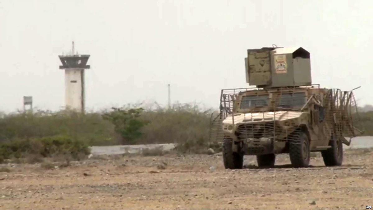 القوات اليمنية تعلن السيطرة على طرق رئيسية قرب الحديدة - دوت امارات