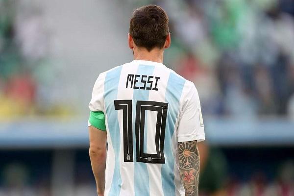 الأرجنتين تحجب قميص ميسي .. والقرار يثير غضب روميرو - دوت امارات