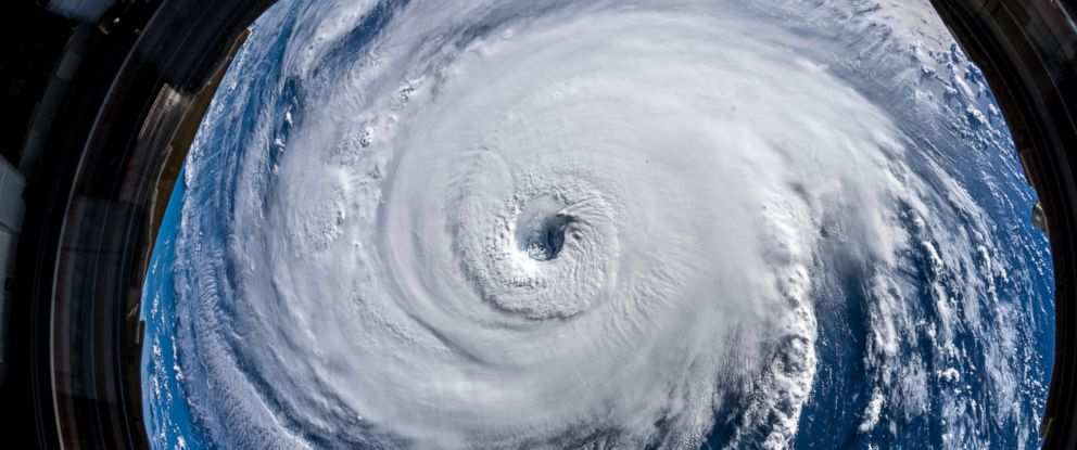 Hurricane Florence from space: Chilling images show colossal storm churning toward US - Dotemirates