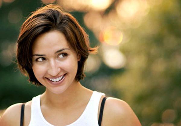 دراسة حديثة تجيب على سؤال قديم: لماذا نبتسم؟ - دوت امارات
