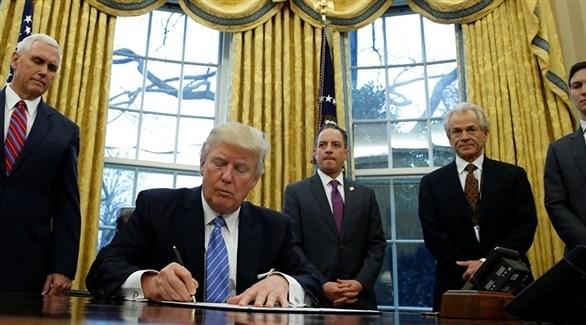 ترامب يوقع مرسوماً لمعاقبة التدخل الأجنبي في الانتخابات الأمريكية - دوت امارات