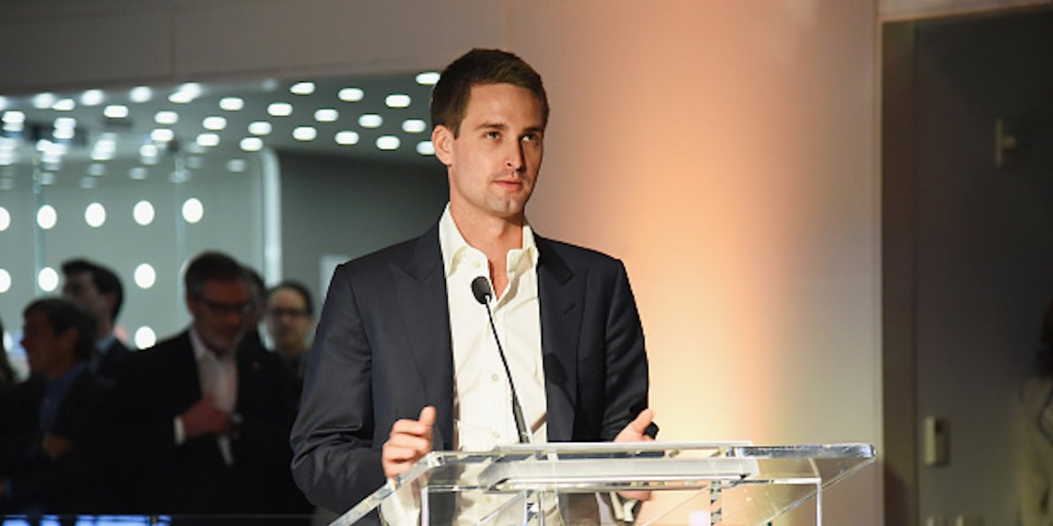 Snapchat is increasingly using the same spammy tactics it used to call competitors out for — and it reveals deeper troubles in its business - Dotemirates
