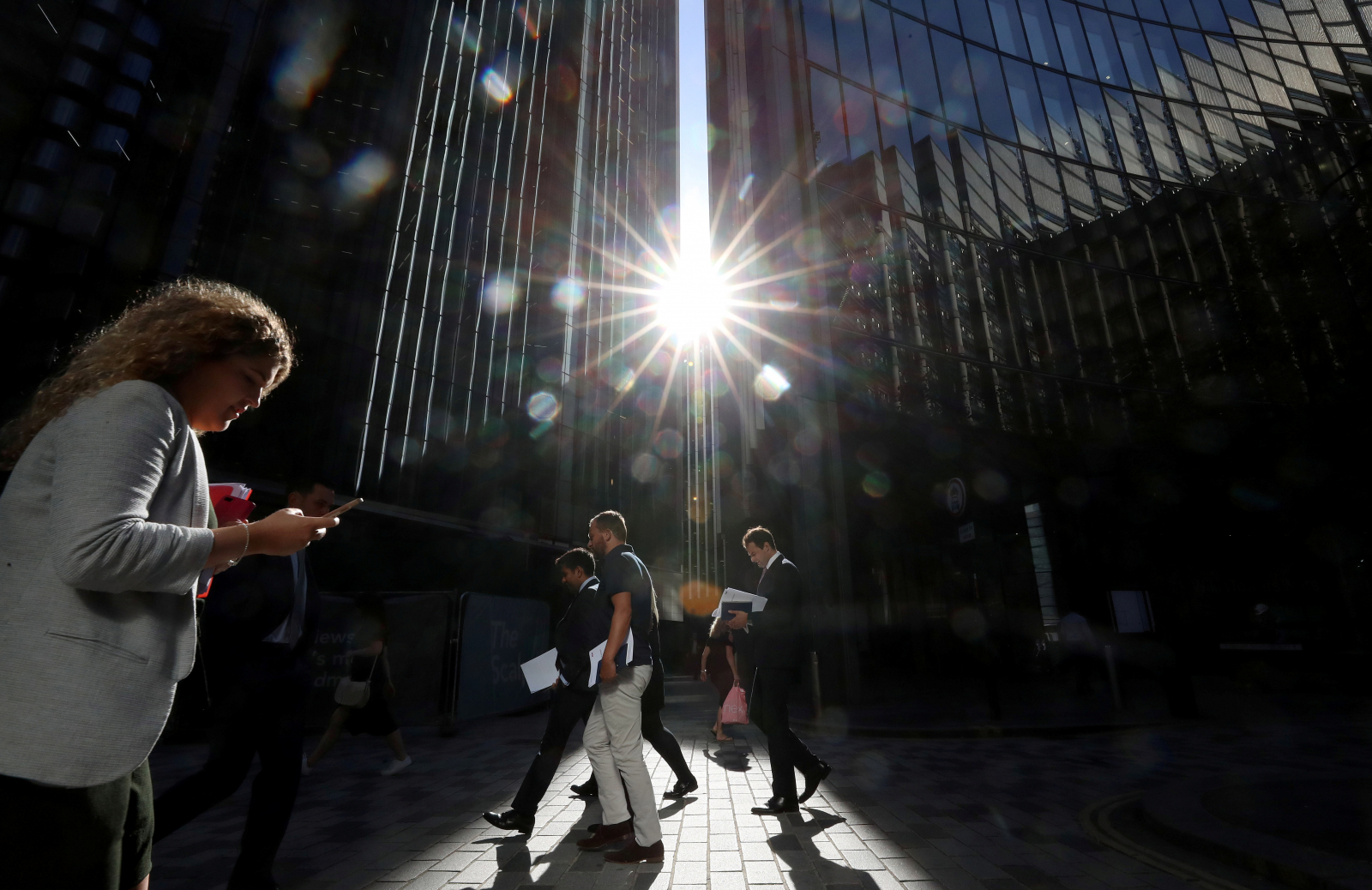 Good news for UK economy as pay rates finally pick up - Dotemirates