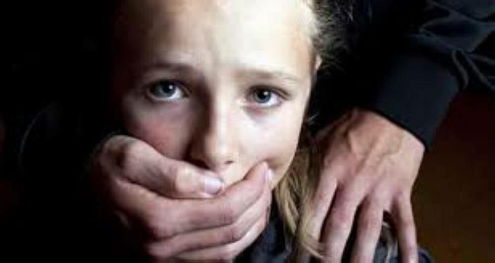 طبيب إسباني أمام القضاء السويدي بتهمة الاعتداء جنسياً على عشرات الأطفال - دوت امارات