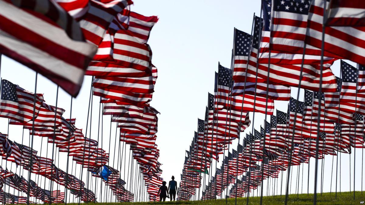 الذكرى الـ17.. الأميركيون يتذكرون ضحايا هجمات سبتمبر - دوت امارات