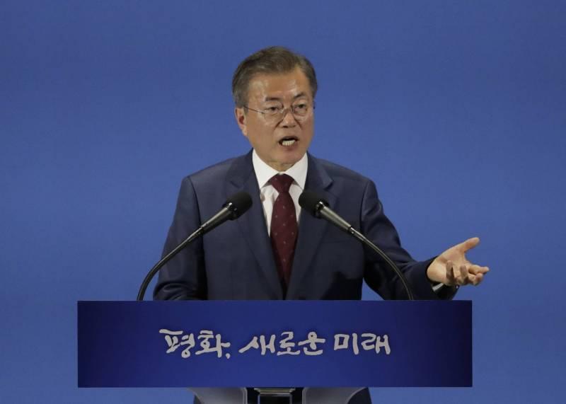 """الرئيس الكوري الجنوبي: كيم يأمل في عقد قمة ثانية مع ترامب """"في تاريخ قريب"""" - دوت امارات"""