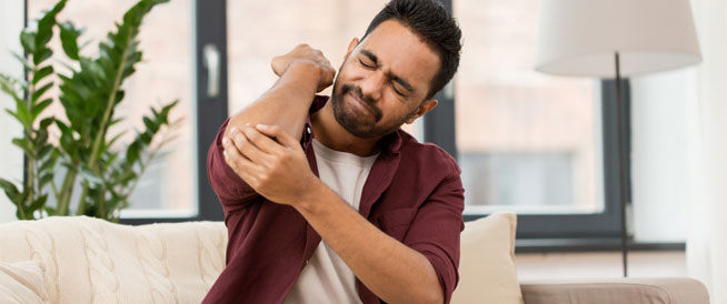 4 علامات للإصابة بالعصب المقروص - دوت امارات