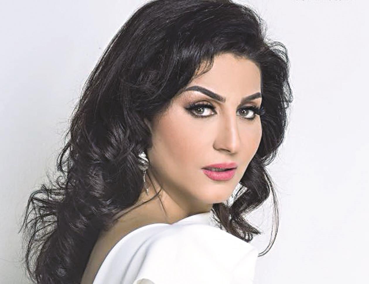 وفاء عامر تقرأ «حب عمري» ... ومنال الصيفي تتأهب لإخراجه - دوت امارات