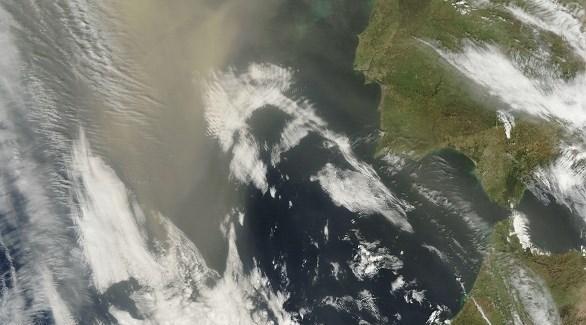 دراسة جديدة من أبوظبي تكشف: الغبار الدافئ من الصحراء العربية ينتقل إلى القطب الشمالي - دوت امارات