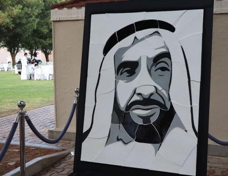 طلبة «أمريكية دبي» يبدعون لوحة لزايد - دوت امارات