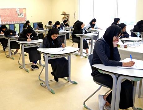 الطلبة يربحون جولة «الدراسات» في امتحانات الفصل الأول - دوت امارات